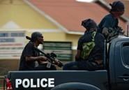 En Ouganda, la police troque ses matraques pour un micro et se trémousse