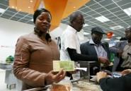 Le Zimbabwe lance sa nouvelle monnaie malgré les réticences