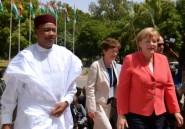 """Niger: grande manifestation de """"soutien"""" au président Issoufou"""