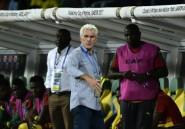 CAN: le sélectionneur du Cameroun Hugo Broos se plaint des primes