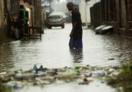De violentes inondations touchent les rues de Kinshasa