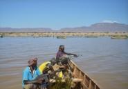 Kenya: filets, camouflage et AK-47, les pêcheurs oubliés du Turkana