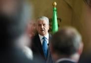 Algérie: le Premier ministre évincé bien placé pour succéder