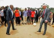 Ouganda: enquête Fifa pour trafic de billets contre le président de la Fédération