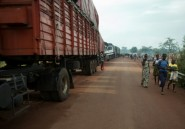 "Sur le ""corridor"", seule route commerciale de Centrafrique: accidents, pillages et racket"