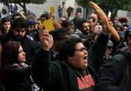 Tunisie, des manifestants lancent un carton jaune au gouvernement sur l'austérité