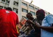 """Le Zimbabwe en deuil après la mort de Tsvangirai, le """"courageux"""" rival de Mugabe"""