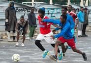 Maroc: jouer au foot pour rêver de gloire et oublier sa vie de migrant