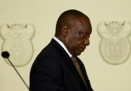Afrique du Sud: le patron du fisc suspendu