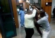 """Nigeria: la police retrouve le bâton cérémoniel du Sénat """"sous un pont"""""""