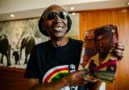 """Le retour au pays du """"Lion du Zimbabwe"""", le chanteur engagé Mapfumo"""