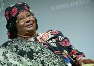 L'ex-présidente du Malawi rentre dans son pays acclamée par ses troupes