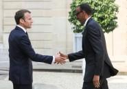 """Macron prône des relations """"apaisées"""" avec le Rwanda"""