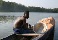 A Libreville, des pêcheurs étrangers indispensables, mais bien mal lotis