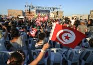 Mondial-2018: en Tunisie, un écran géant pour faire du foot une fête en famille