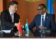 En tournée africaine, le président chinois signe des accords au Rwanda
