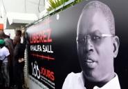 Sénégal: le maire de Dakar boude son procès et se déclare candidat