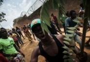 """Ebola en RDC: centre de transit attaqué, des """"cas suspects"""" recherchés"""