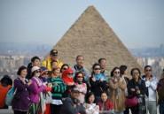 Aux pyramides de Guizeh, la frénésie touristique habituelle au lendemain d'un attentat