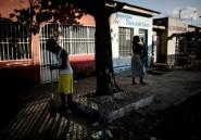 """""""Ca va au rythme du pays"""": en RDC, les Congolais prennent leur mal en patience"""