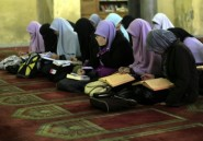 Egypte: l'exclusion d'une étudiante ayant enlacé un garçon annulée