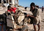 Dix jours après le cyclone au Mozambique, Beira commence