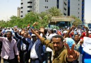 Grève au Soudan: des centaines d'employés manifestent pour faire pression sur l'armée