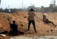 """Libye: aux portes de Tripoli, une bataille """"vitale"""" pour les camps rivaux"""