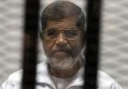 """Egypte: Morsi, président """"marionnette"""" des Frères musulmans"""