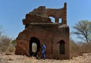 """Sur les ruines de """"Mount Carmel"""", ferme zimbabwéenne saisie par le régime Mugabe"""