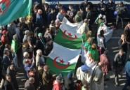 Des milliers d'Algériens défilent