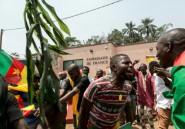 Cameroun: des centaines de jeunes manifestent devant l'ambassade de France contre des propos de Macron