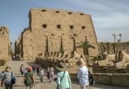 Au Caire, l'installation de quatre sphinx antiques en pleine ville fait polémique