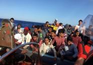 Pour les migrants de l'Ocean Viking, une attente réparatrice