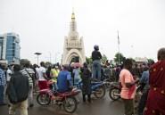 Mali: des milliers de manifestants réclament