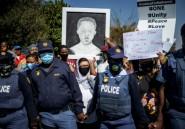 Appels au calme aux funérailles d'un adolescent sud-africain tué lors d'une patrouille de police