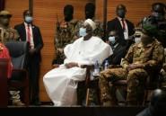 Le président de transition du Mali investi, sanctions ouest-africaines maintenues