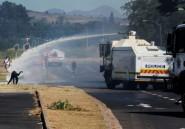 Accusations de racisme dans un lycée: manifestation houleuse au Cap