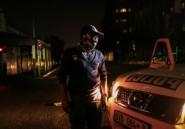 """Coronavirus: """"tolérance zéro"""" dans les rues de Johannesburg sous couvre-feu"""
