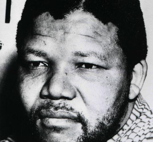 NELSON MANDELA EN 10 DATES ET 10 IMAGES...ET APRES, LE RACISME VA-T-IL REVENIR AU GALOP ? (Slate Afrique / Thierry LAMIREAU / lesoufflecestmavie.unblog.fr) dans REFLEXIONS PERSONNELLES mandela1