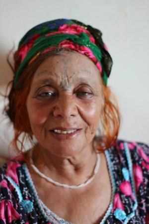 Algerie Que Signifient Les Tatouages Traditionnels Que Portent Les