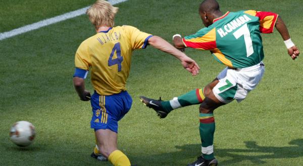 Quand le s n gal fit chavirer la plan te foot slate afrique - Coupe du monde de foot 2002 ...