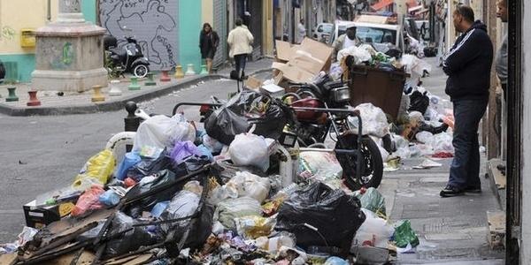 Alger baigne dans les ordures   Slate Afrique
