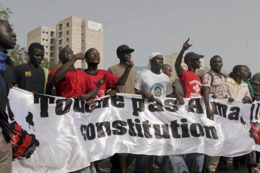 Manifestation contre un projet de réforme de la Constitution, le 23 juin 2011 à Dakar AFP/Archives Moussa Sow