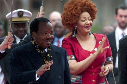 Le président camerounais Paul Biya et son épouse Chantal arrivent le 23 octobre 2010 au 13e sommet de la Francophonie à Montreux AFP/Archives Sebastien Bozon