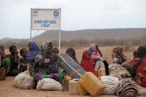 Des réfugiés somaliens arrivés au camp Kobe, à la frontière avec l'Ethiopie, le 19 juillet 2011 AFP Roberto Schmidt