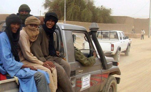 D'anciens rebelles touaregs arrivent à Kidal, dans le nord du Mali, pour une cérémonie de désarmement le 17 février 2009 AFP/Archives Serge Daniel