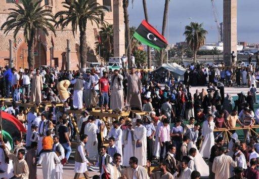 Des milliers de Libyens réunis place des Martyrs pour fêter l'Aïd el-Fitr, le 31 août 2011 à Tripoli AFP Carl de Souza