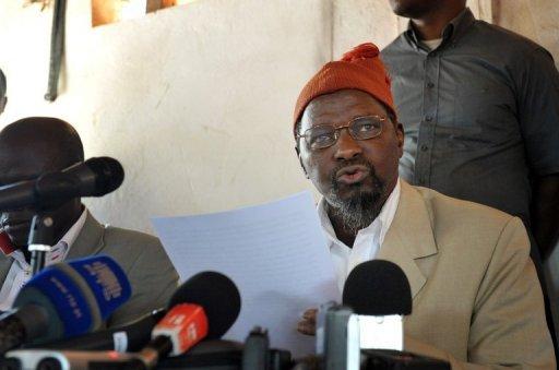 Un des leaders de l'opposition, Kumba Yala, fait une déclaration à Bissau, le 16 avril 2012. AFP Seyllou