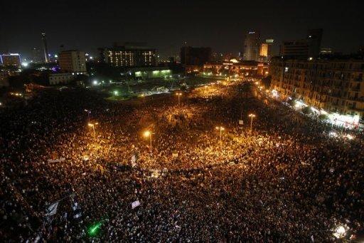 Des Egyptiens manifestent leur colère contre le verdict du procès Moubarak, le 2 juin 2012 place Tahrir au Caire AFP Mohammed Abed
